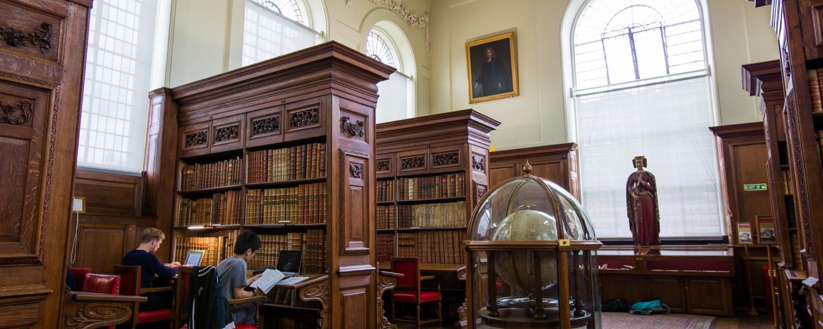 Library History The Queen S College Oxford